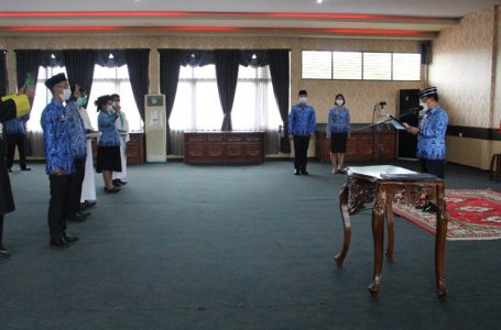 94 Pejabat Pemkab Sanggau Diambil Sumpah Janji