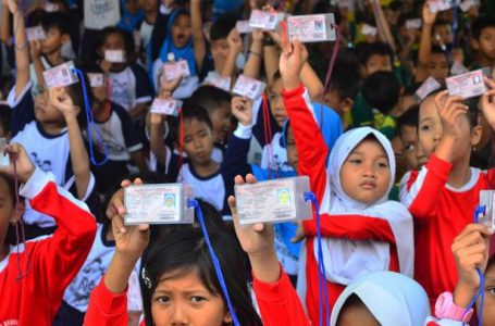 Sekda Sintang Imbau Orangtua Urus Kartu Identitas Anak