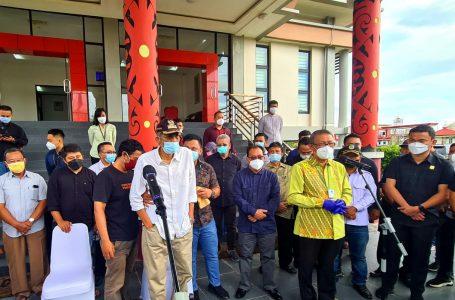 Gubernur Kalbar Sambut Kedatangan Jenazah Wabup Sintang